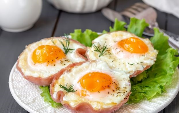 Scrambled eggs with ham (in the oven)