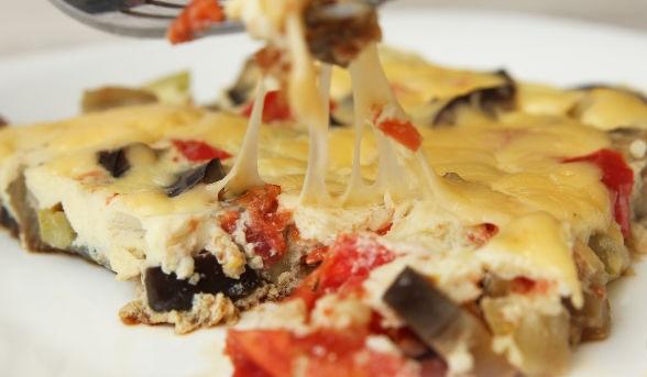 Frittata with zucchini, eggplant and tomato