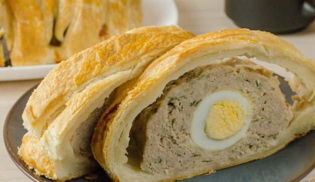 Meatloaf with egg and cheese baked in puff pastry