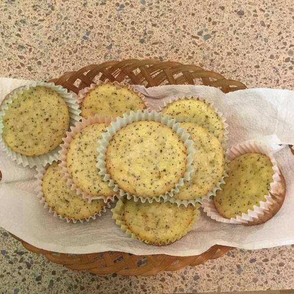 Lemon mini keto muffins