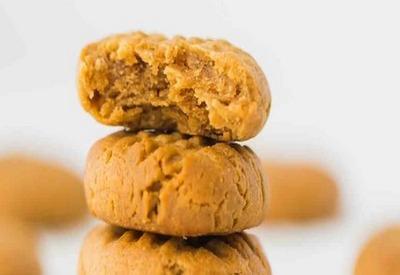 Keto flour-free peanut butter cookies
