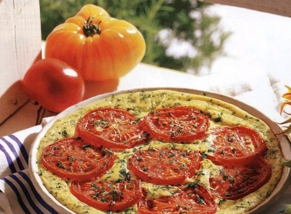 Omelet with cheese and tomatoes