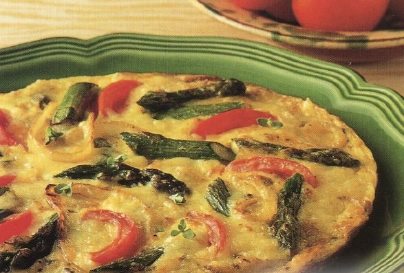 Cheese frittata with asparagus and tomatoes