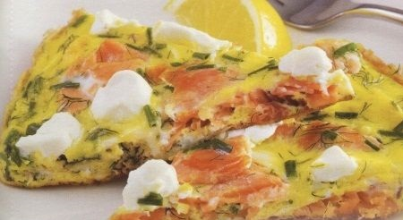 Omelet with salmon and cream cheese