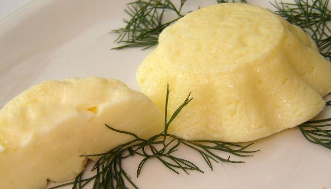 Steamed tender omelet