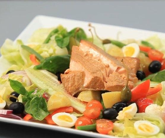 Nicoise salad with smoked salmon