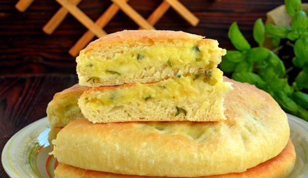 Yeast cakes with milk, potatoes and green onions