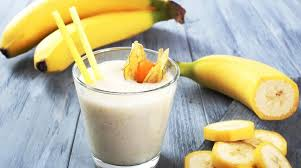 Milk-banana cocktail
