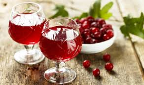 Autumn cranberry and honey drink