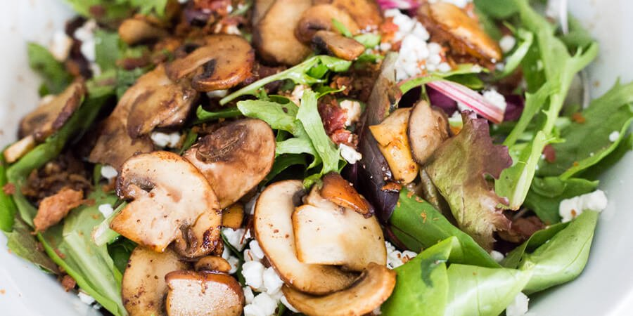Keto salad with mushrooms and goat cheese