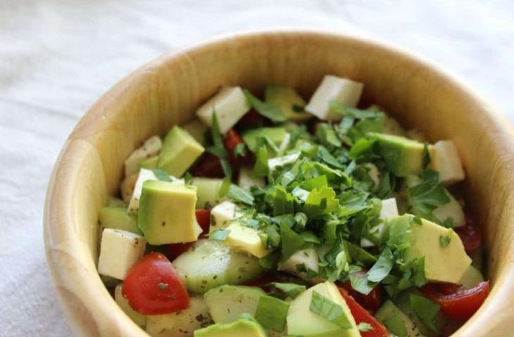 Keto caprese salad with avocado