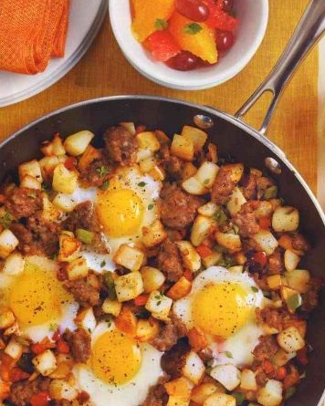 Eggs fried with vegetables and meat