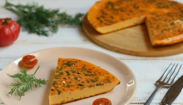 Tomato omelet with herbs
