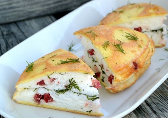 Omelet with sausage and herbs