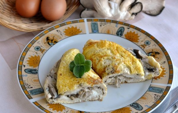 Excellent Omelet with oyster mushrooms