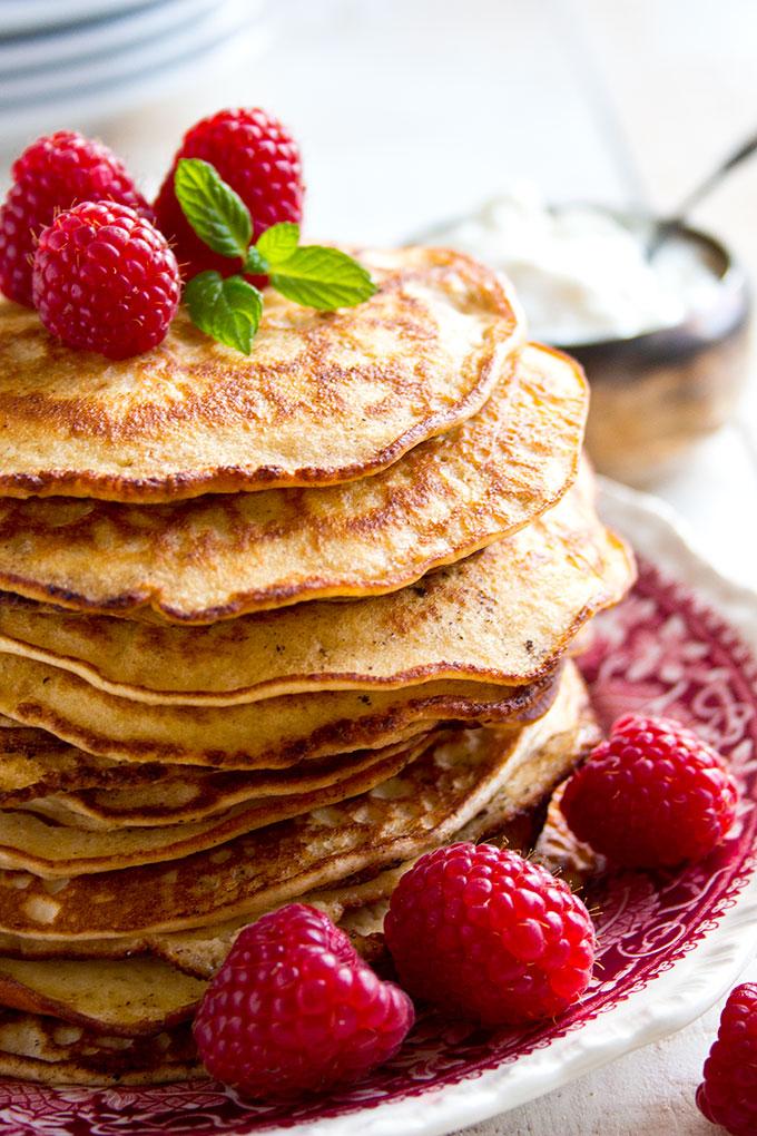 Keto pancakes with cream with almond flour and psyllium