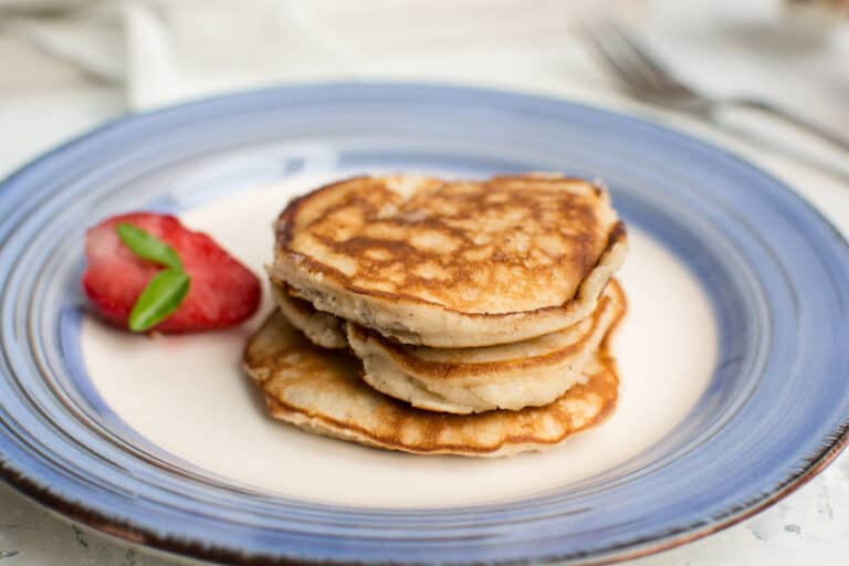 Keto pancakes without flour, with cream cheese and psyllium