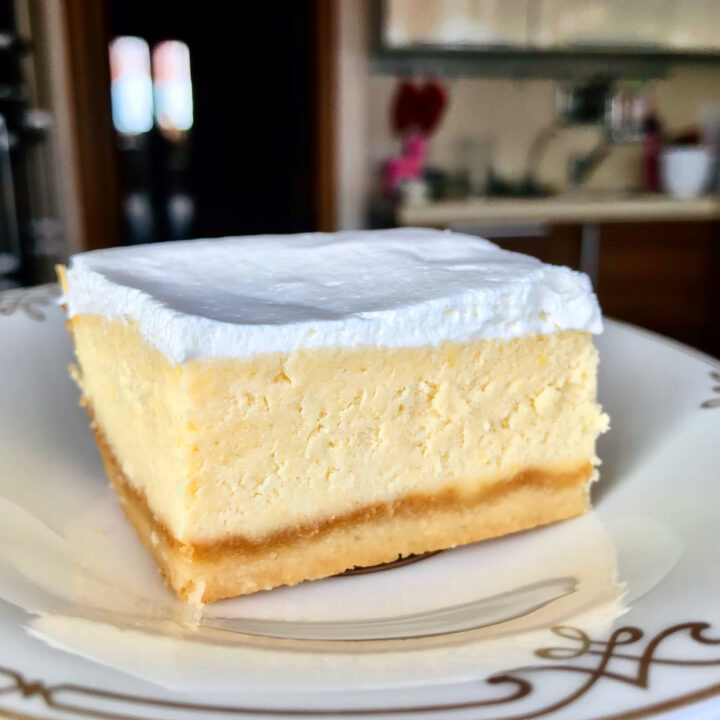 Keto Dessert: Lemon Brownie