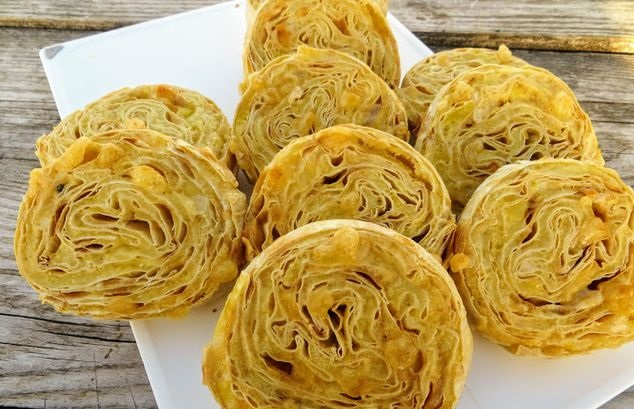 Lavash rolls with potatoes and cheese (in the oven)