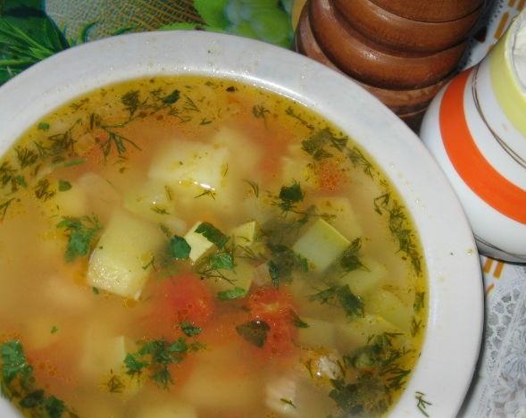 Potato soup with zucchini