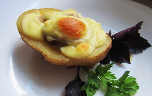 Super Delicious Stuffed Potatoes