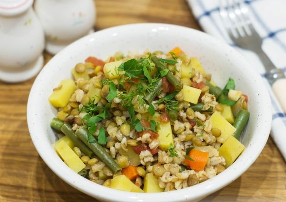 Vegetable stew with lentils and barley