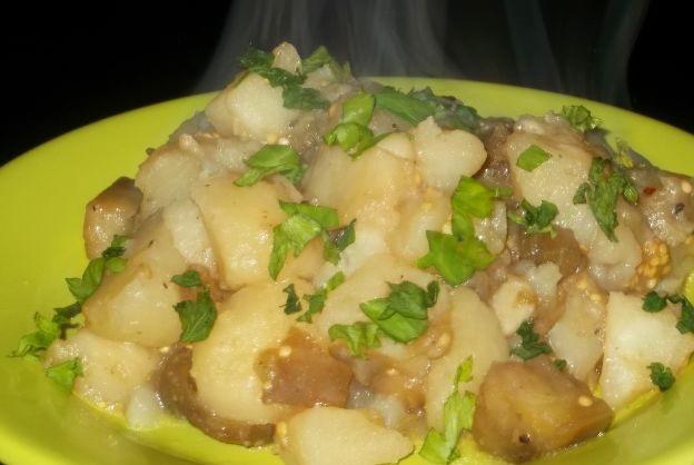 Potato and eggplant garnish