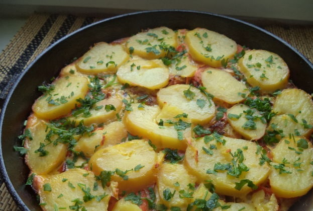 Carrot casserole with potatoes