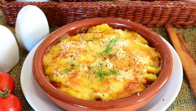 Best Potato casserole with tomatoes and cheese