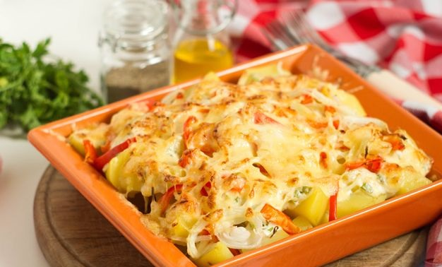 Potatoes in a sauce with smoked cheese