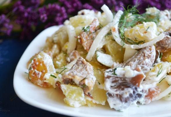 Warm potato salad with salted mushrooms