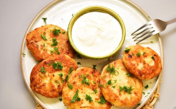 Potato and minced chicken cutlets
