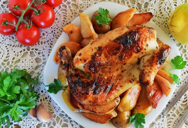 Sleeve baked chicken with quince and potatoes