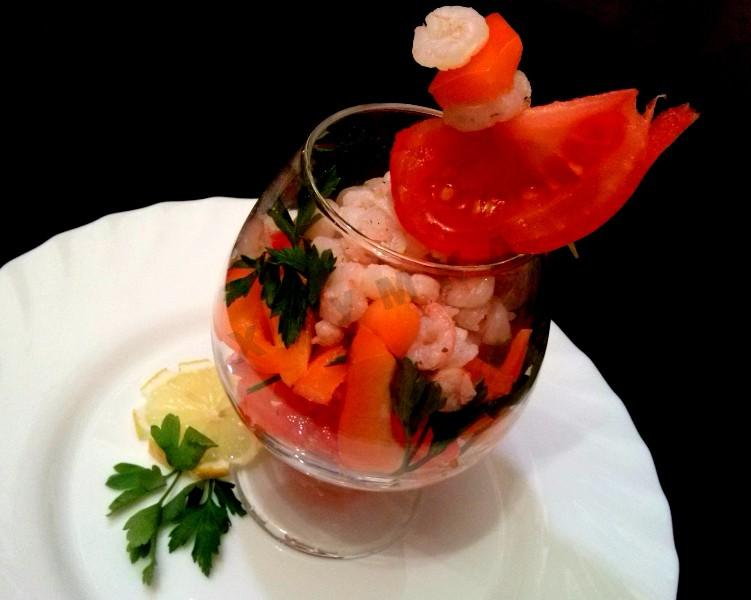 SEA COCKTAIL SALAD WITH SHRIMPS