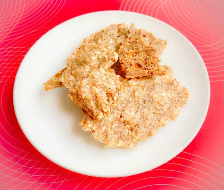 Low-carb crispbreads. Keto recipe