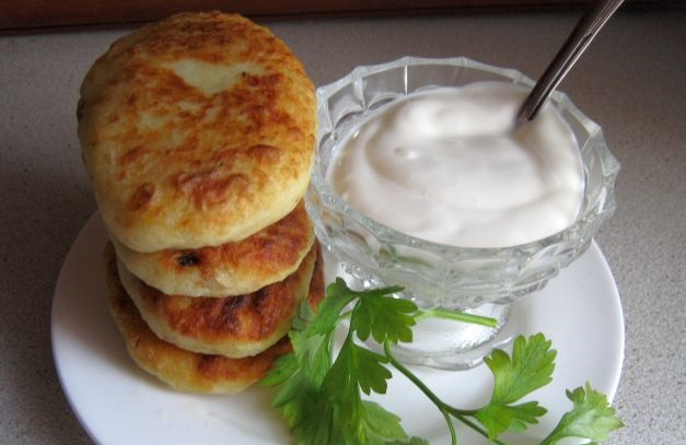 Potato pies with meat