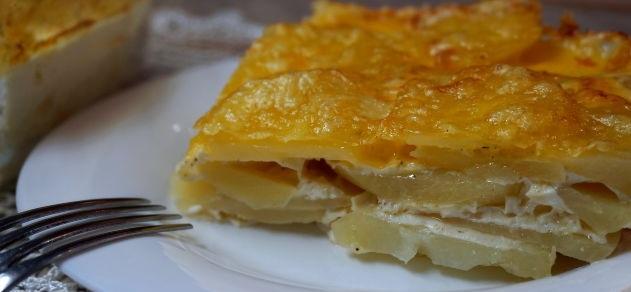 Potato gratin (or potato casserole)