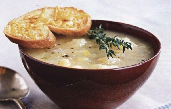 Light potato soup with cheese toast