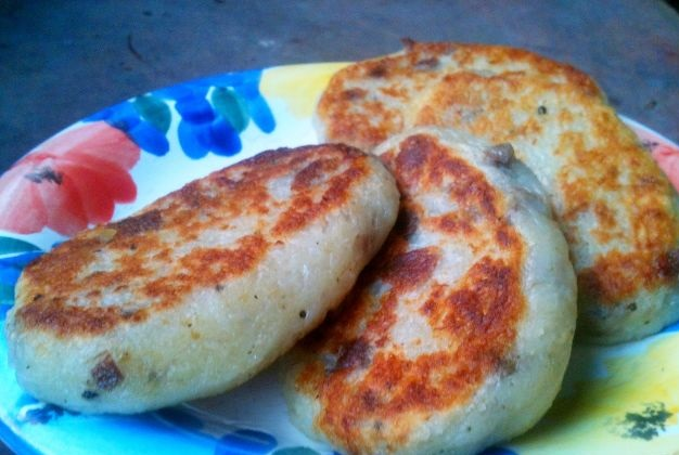 Potato cutlets with feta cheese and tongue