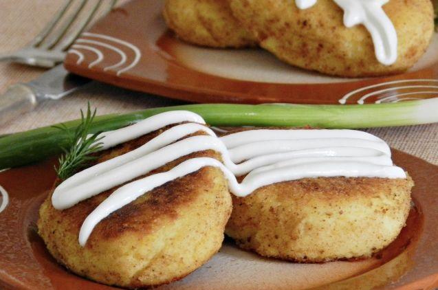 Potato zrazy with cabbage