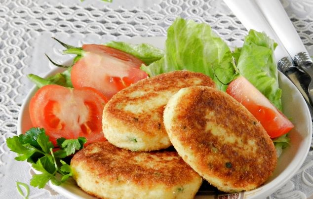 Potato cutlets with cottage cheese