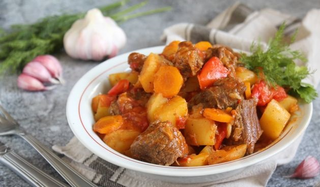 Best Beef goulash with potatoes