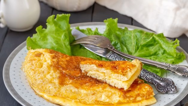 Omelet with cheese crust