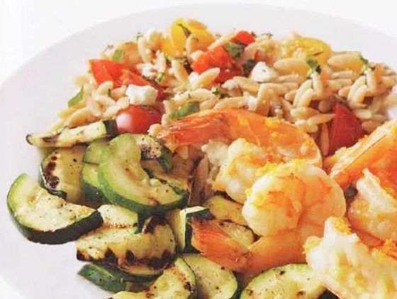 Shrimps with zucchini and orzo