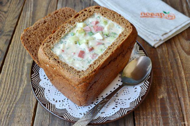 Okroshka in bread