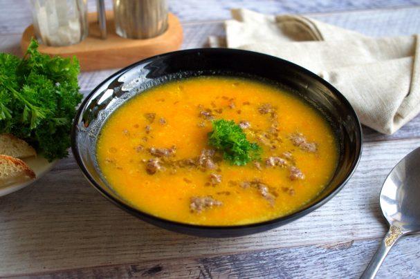 Spicy pumpkin-carrot soup