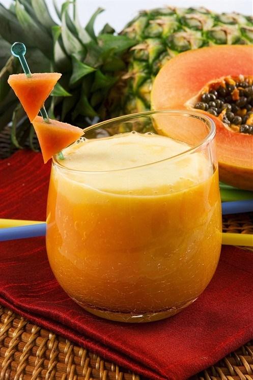 Papaya, almond and cardamom drink