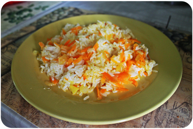 Rice with carrots and onions
