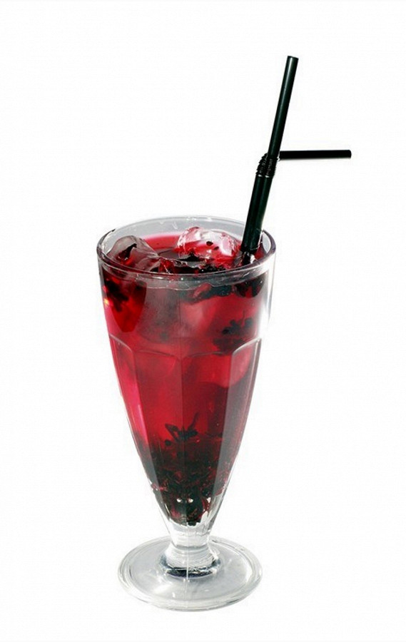 Punch with currants, cranberries, vodka and rose wine