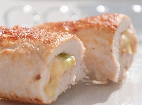 Chicken roll stuffed with rice and chickpeas